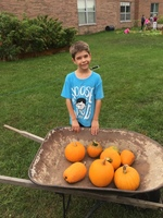 Garden Club picks Pumpkins!
